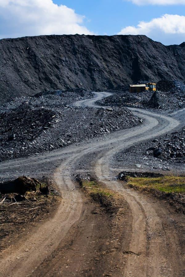 Deposito e macchina del carbone fotografie stock