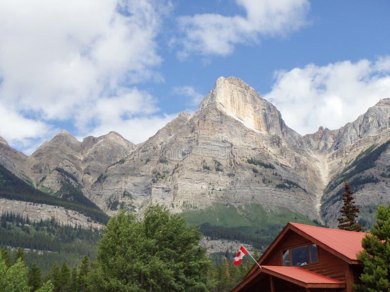Deposito lungo la strada panoramica di Icefields nel Canada immagini stock libere da diritti