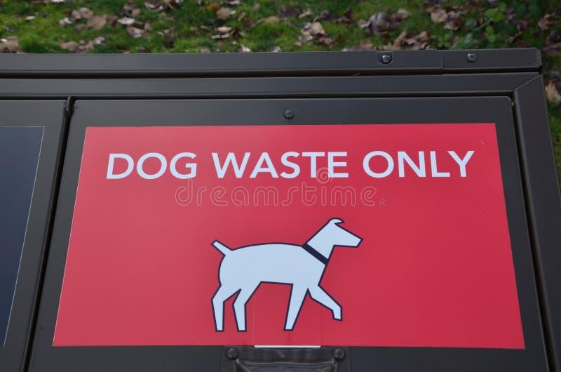 Deposito residuo canino fotografie stock