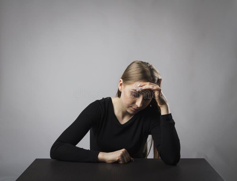 Depresja czarny smutna kobieta fotografia stock