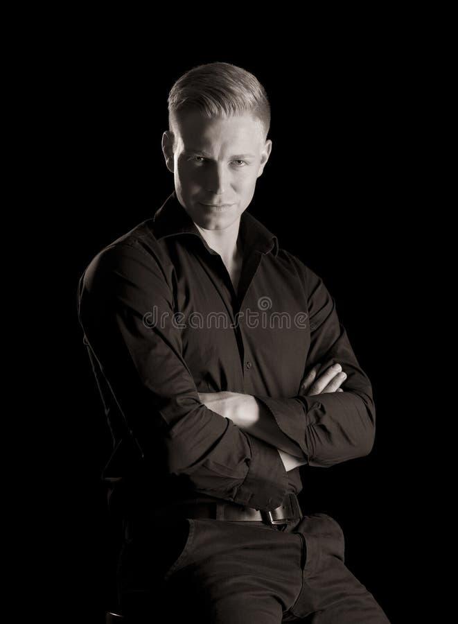 Depresja kluczowy portret młody przystojny mężczyzna, czarny i biały. obrazy stock