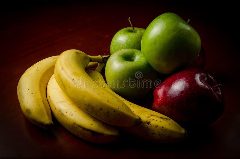 Depresja kluczowy portret organicznie owoc na drewno stole zdjęcie stock