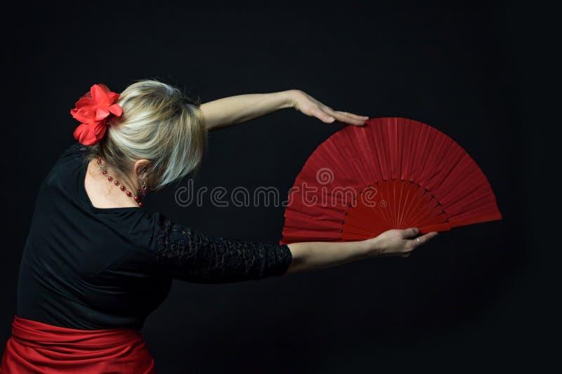 Depresji Kluczowa fotografia Flamenco tancerza mienia czerwony fan obraz stock