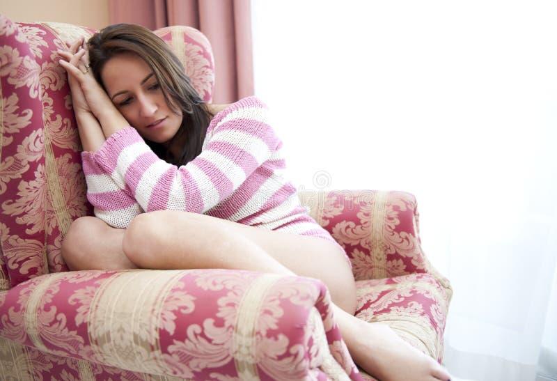 Deprimierte Frau stockfotos