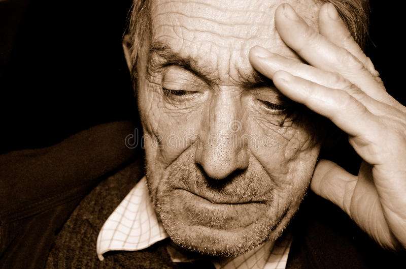 Deprimierter Mann lizenzfreies stockfoto
