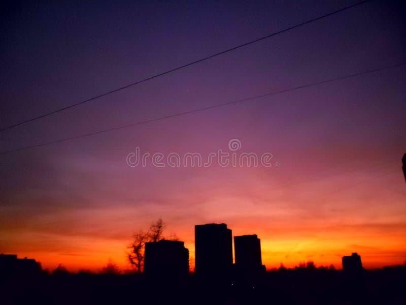 Der Abendsonnenuntergang lizenzfreie stockfotografie