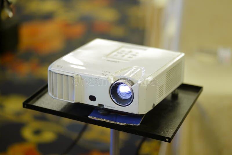 Der alte Projektor lizenzfreies stockfoto