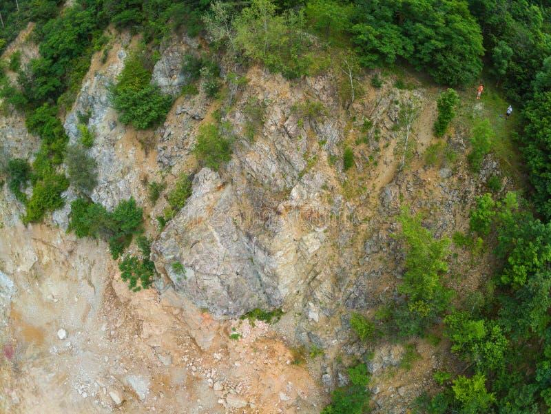 Der alte Steinbruch in Brno-Komin von oben stockfotos