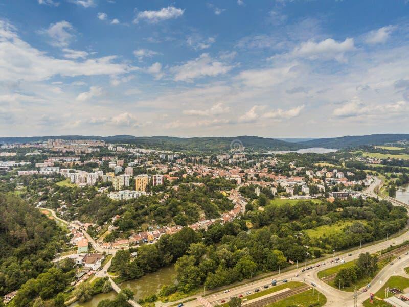 Der alte Steinbruch in Brno-Komin von oben lizenzfreie stockfotografie