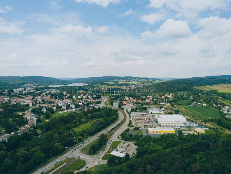 Der alte Steinbruch in Brno-Komin von oben stockbilder