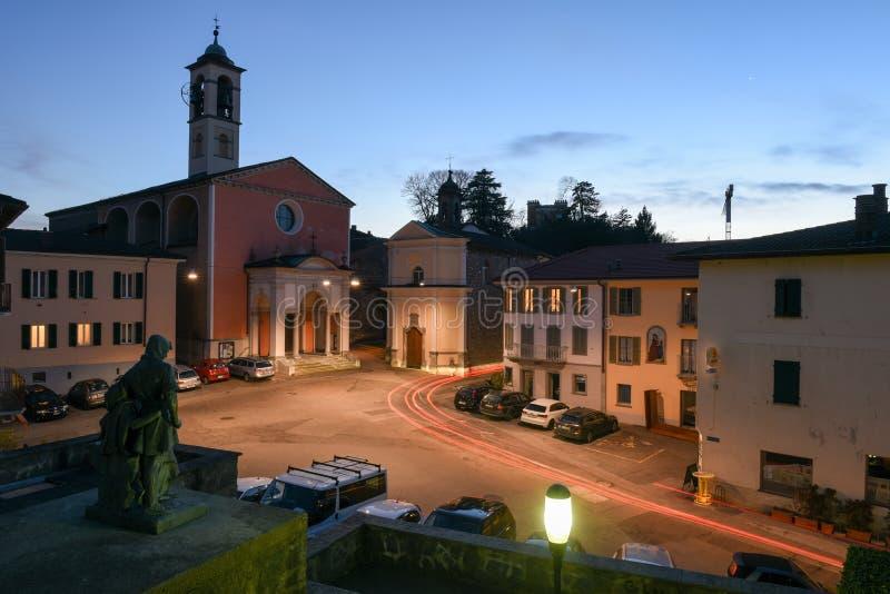 Der alte zentrale Platz von Stabio auf der Schweiz lizenzfreie stockfotos
