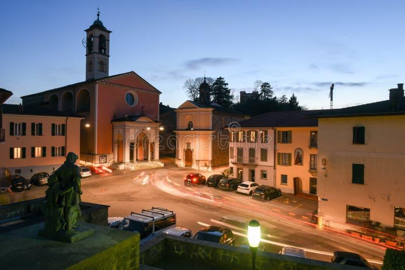 Der alte zentrale Platz von Stabio auf der Schweiz stockfotografie