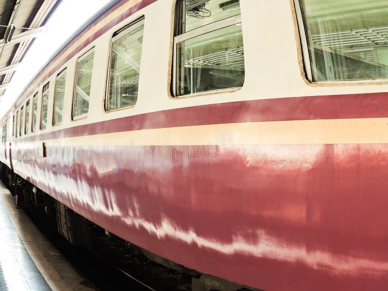 Der alte Zug lizenzfreie stockfotos