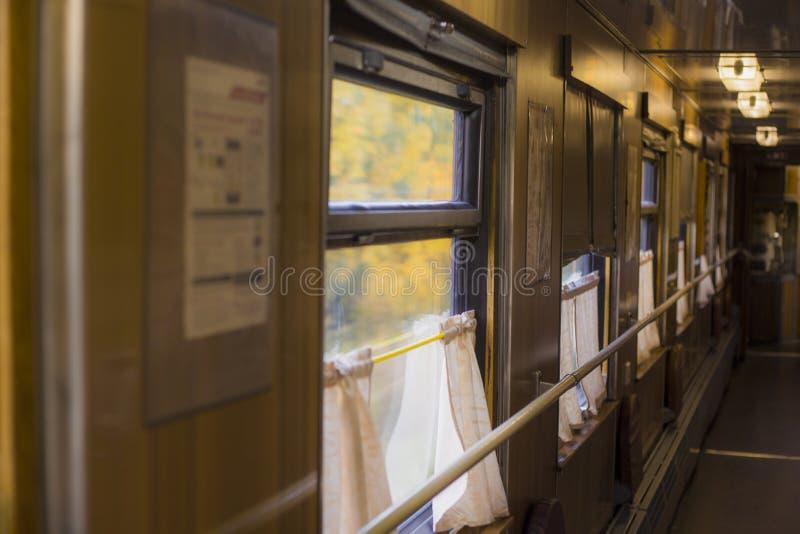 Der alte Zuglastwagen stockbilder