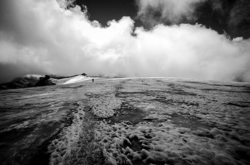 Der Anfang der Gletscherwanderung zum Berg-Rosa-Komplex lizenzfreie stockfotos