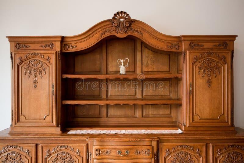 Der antiken Möbel Kommode Bücherregal stockbild