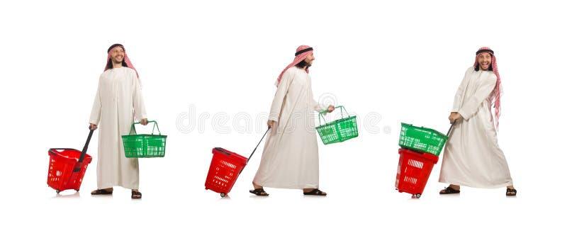 Der arabische Mann, der das Einkaufen lokalisiert auf Wei? tut lizenzfreie stockfotos