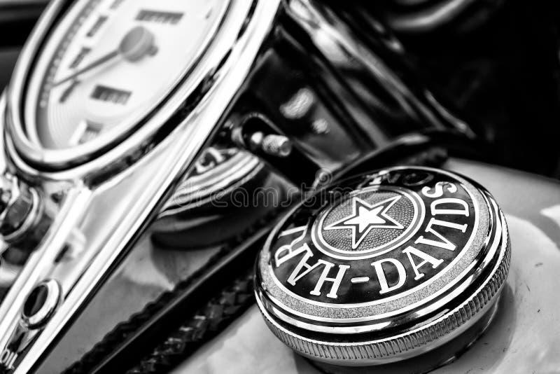 Der Armaturenbrett und der Kraftstofftank bedecken Motorrad Harley-Davidson stockfotos