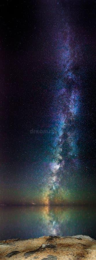 Der Aufstieg der Milchstraße stockbild