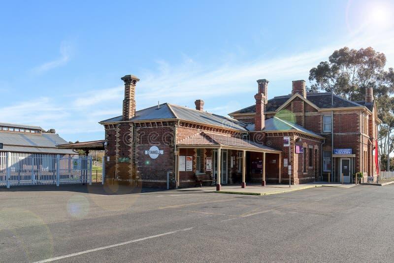 Der Bahnhof Stawell des roten Backsteins, der 1877 mit Blendenfleck errichtet stockfoto