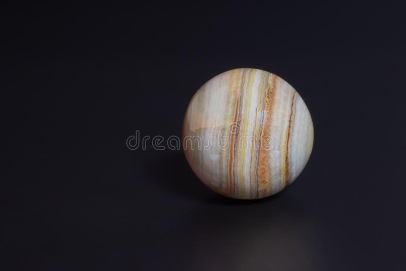 der Ball ist schön und ungewöhnlich stockbild