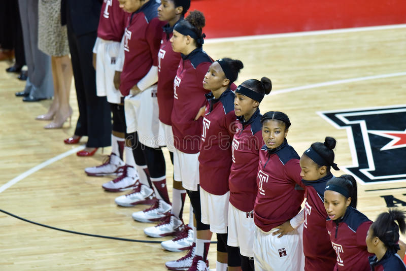2015 der Basketball NCAA-Frauen - Tempel gegen Staat Delaware lizenzfreies stockbild