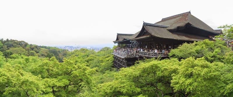 Der berühmte Kiyomizu-dera Tempel lizenzfreie stockfotos