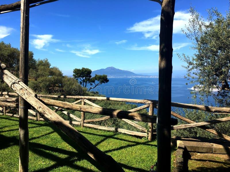 Der berühmte Vesuv brach aus lizenzfreie stockbilder