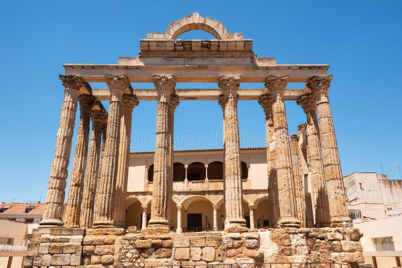 Der ber?hmte r?mische Tempel von Diana in M?rida, Provinz von Badajoz, Extremadura, Spanien lizenzfreies stockbild