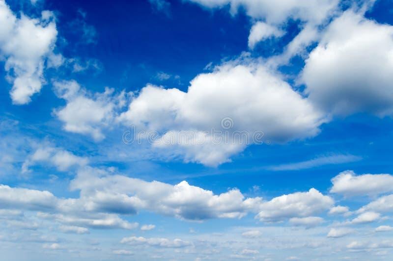 Der blaue Himmel. stockbilder