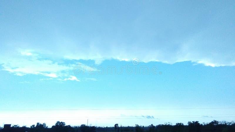 Der blaue Himmel stockfotografie