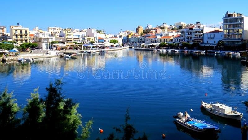 Der bodenlose See, Aghios Nikolaos lizenzfreie stockfotografie