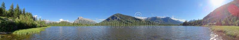 Der Bogen River Valley gerade au?erhalb Banffs stockfoto