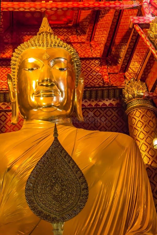 Download Der Buddha Von Wat Phananchoeng Worawihan Stockfoto - Bild von statue, antike: 47100044