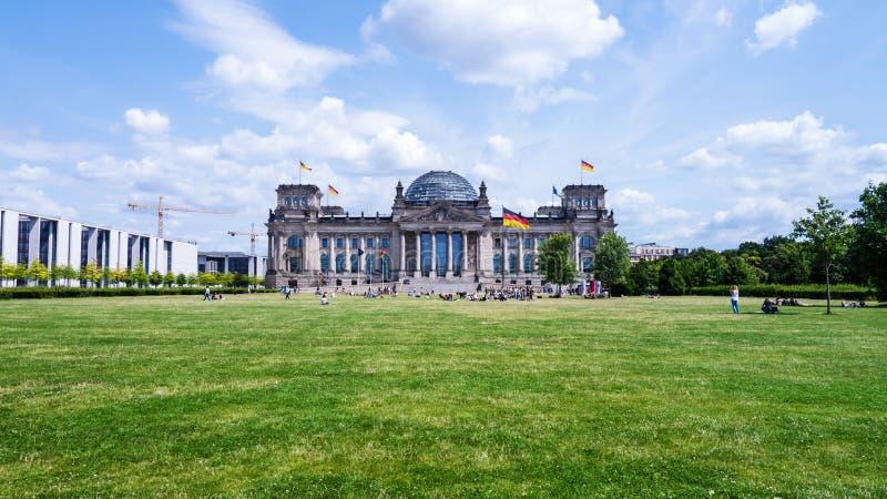 Der Bundestag in Berlin stockbilder