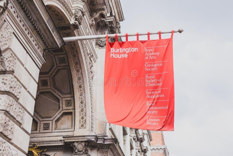 Der Burlington-Hausgalerieeingang im London-Stadtzentrum stockfotografie