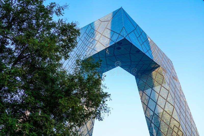Der CCTV-Turm von Peking, China Cctv-Hauptsitze während des blauen Tages in Peking stockbilder