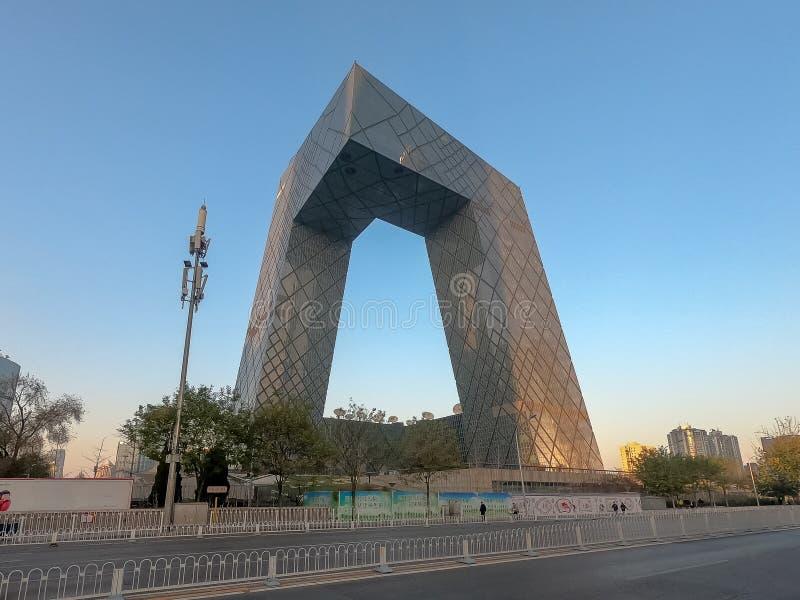Der CCTV-Turm von Peking, China Cctv-Hauptsitze während des blauen Tages in Peking lizenzfreies stockbild