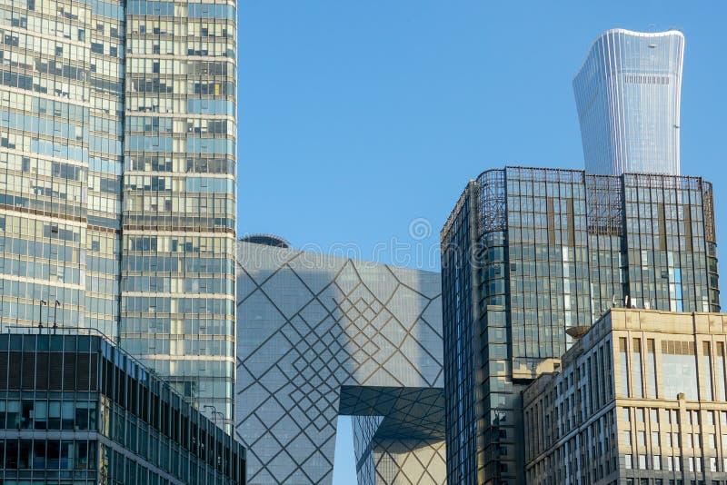 Der CCTV-Turm zwischen Turm im Finanzbezirk von Peking, China lizenzfreie stockbilder