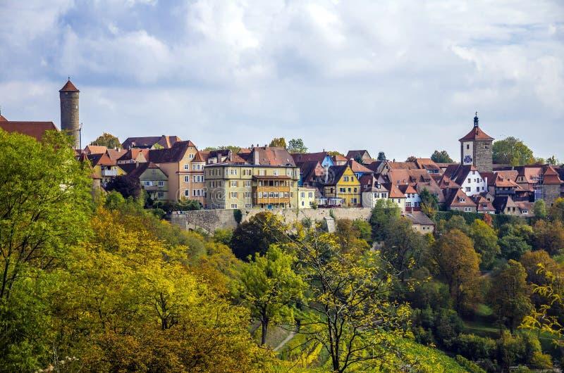 Der colorido Tauber, Baviera del ob de Rothenburg de la ciudad imagenes de archivo