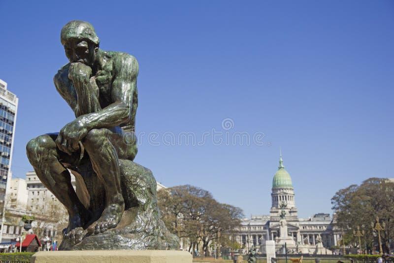 Der Denker durch Rodin stockbilder
