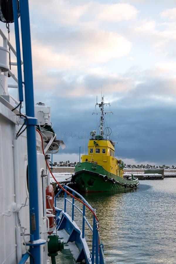 Der Eingang zum Fischereihafen stockfoto