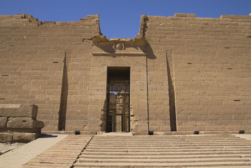 Der Eingang zum Tempel von Kalabsha stockfoto