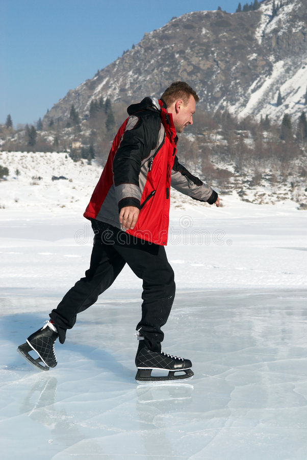Der Eis-Eislauf auf Berg mag lizenzfreies stockfoto