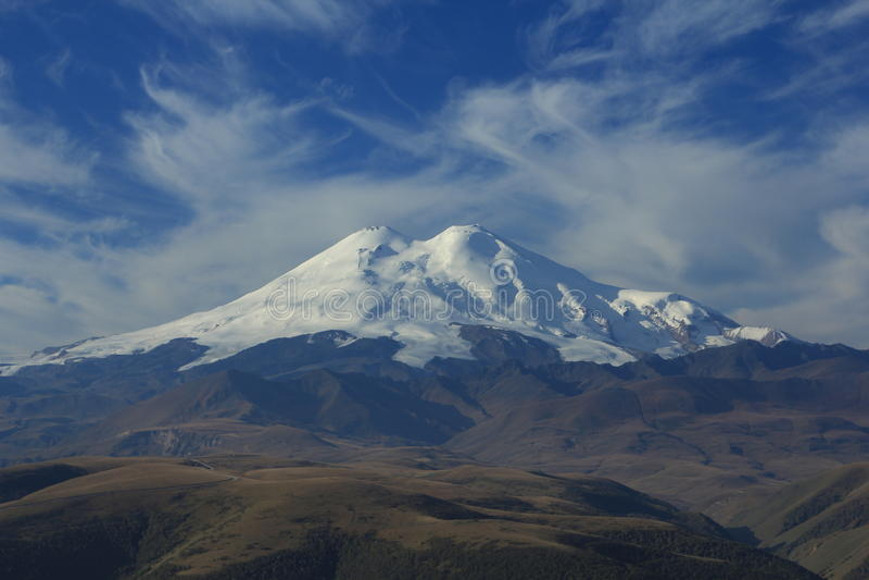 Der Elbrus. Nordkaukasus lizenzfreie stockfotografie