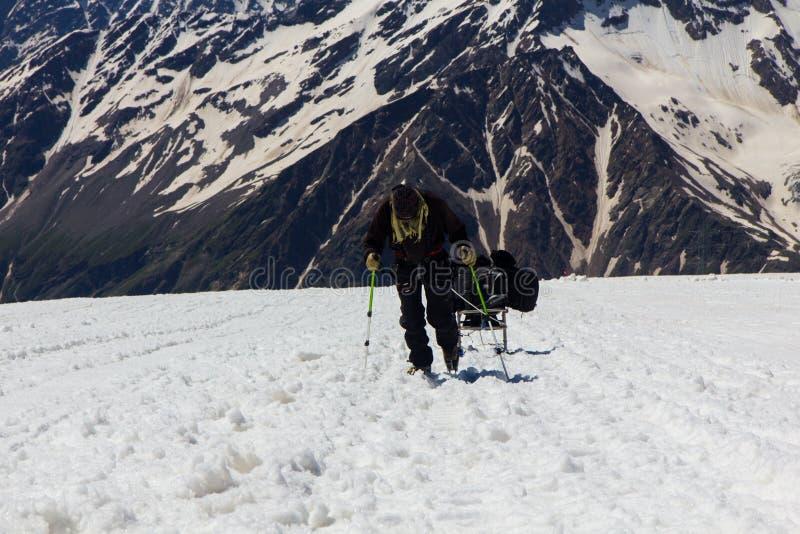 2014 07 der Elbrus, Russland: Klettern auf Berg Elbrus lizenzfreie stockfotografie