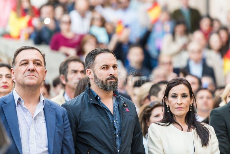 Der F?hrer der extrem rechten Voxpartei, Santiago Abascal, w?hrend der Sammlung seiner Partei gehalten in Caceres stockbild