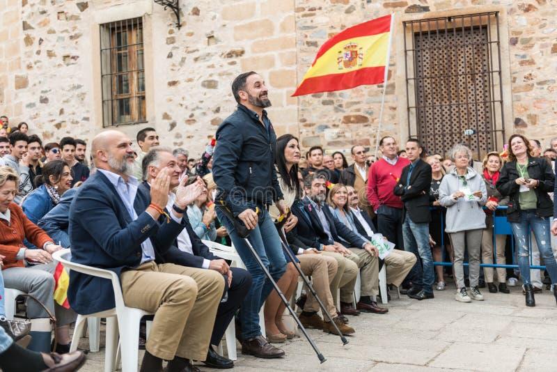 Der F?hrer der extrem rechten Voxpartei, Santiago Abascal, w?hrend der Sammlung seiner Partei gehalten in Caceres lizenzfreie stockbilder