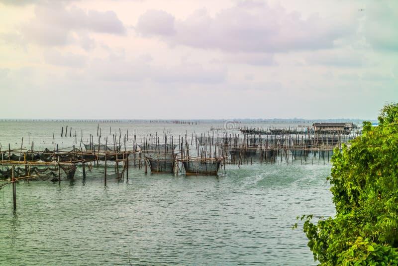 Der Fischkäfig lizenzfreie stockfotografie