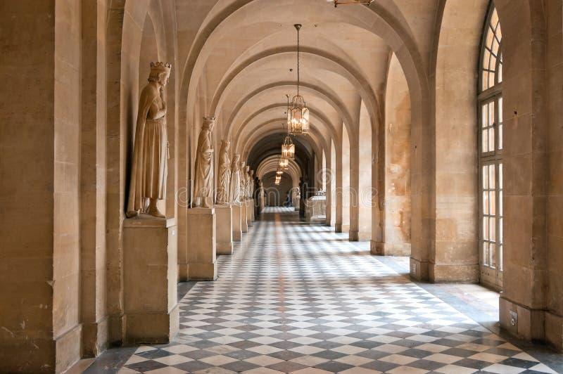 Der Flur des Palastes von Versailles lizenzfreie stockfotos
